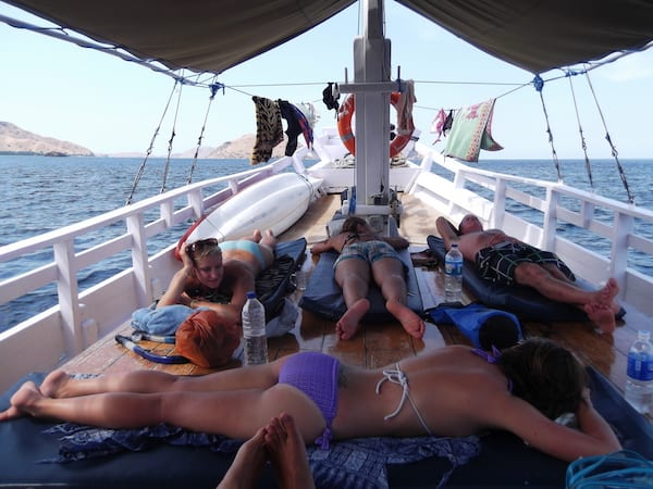 6 Considerations for Choosing the Right Liveaboard