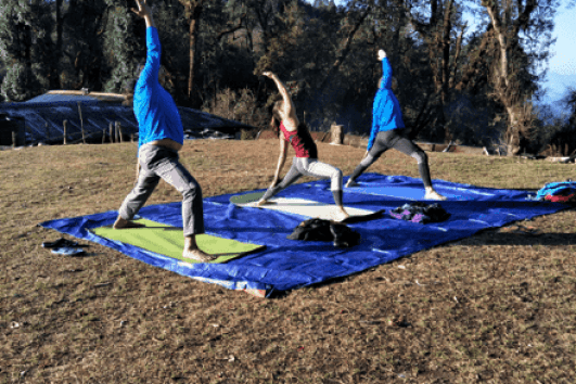Sunrise yoga, Mardi Himal Nepal