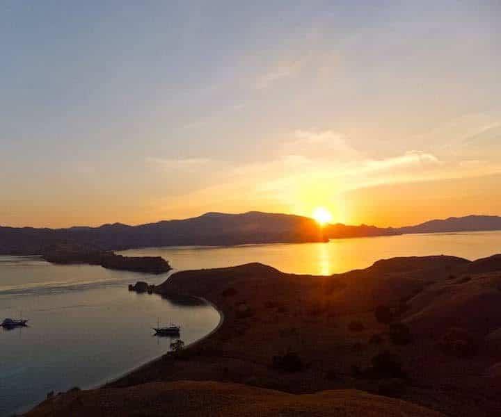 Komodo sunset, Komodo scuba diving